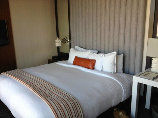 Kimpton Hotel Eventi: King Size Bed