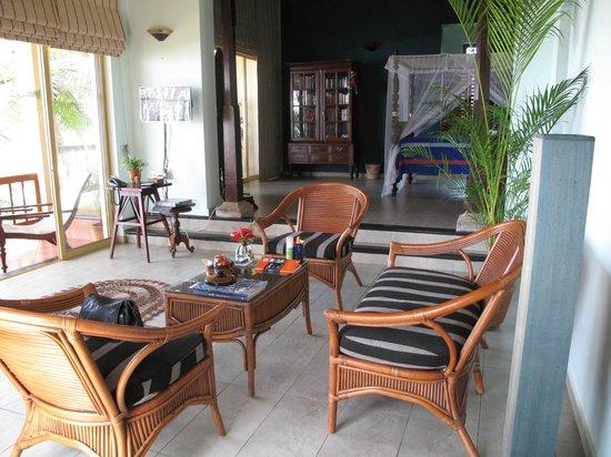 Max Wadiya : The Blue suite