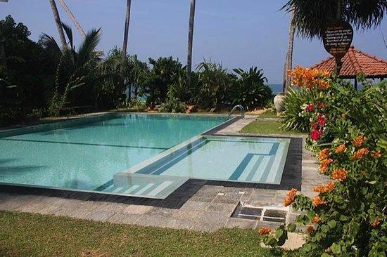 Max Wadiya: The salt-water infinity pool