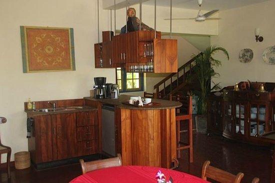 Max Wadiya: The dining and bar area of the main villa