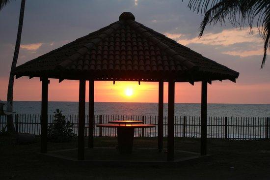 Max Wadiya: Sunset through the pavilion