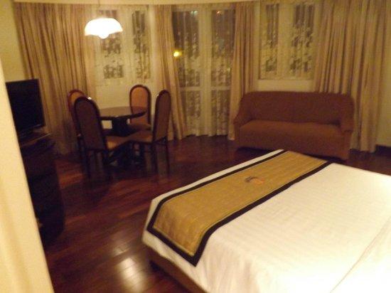 Huong Sen Hotel: chambre