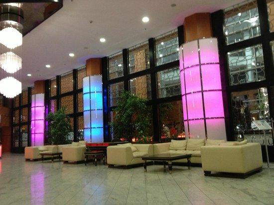 Grand Belish Hotel: Lobby