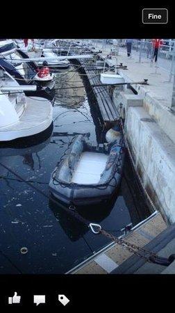 Monte Carlo Harbor: si trova anche qualche barca così :)