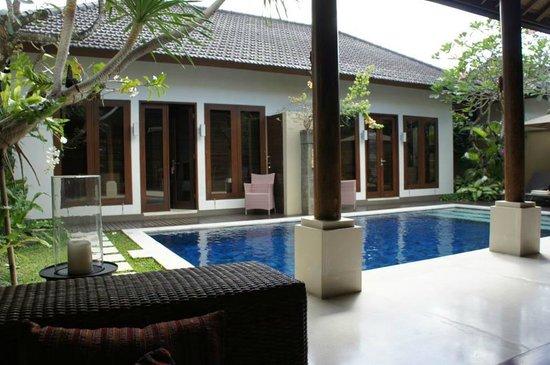 Lakshmi Villas: Our villa with our pool!