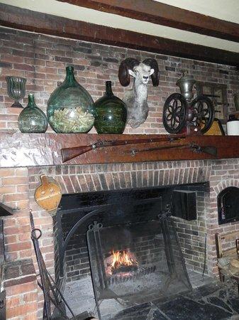 Manoir Hovey: Tap Room Pub
