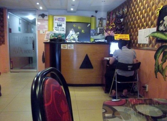 AVA Saigon Hotel: Reception