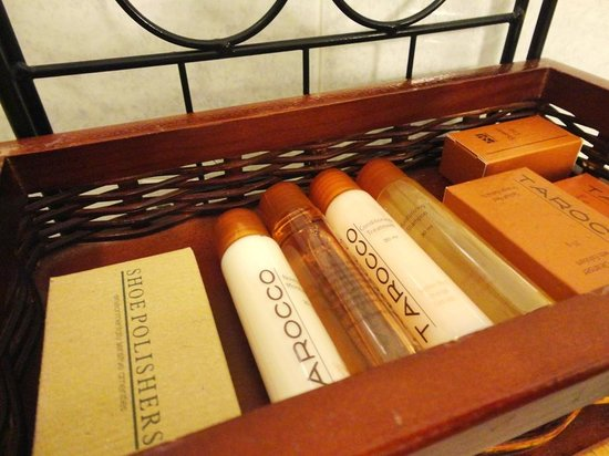 Casablanca Hotel by Library Hotel Collection: Toiletries