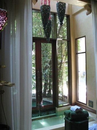 The Baray Villa : Entrée de la piscine depuis la chambre