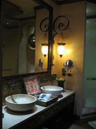 The Baray Villa : Salle de bain