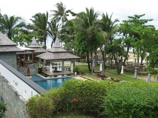 Nakamanda Resort & Spa : Vue sur l'accès à la plage et au restaurant