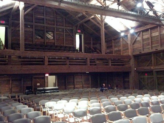 Wolf Trap National Park for the Performing Arts: Barn at Wolf Trap Theater