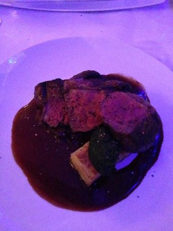 Shuck: wagyu rump steak ($38) surrounded in a puddle of what tastes like cheap barbeque sauce :/