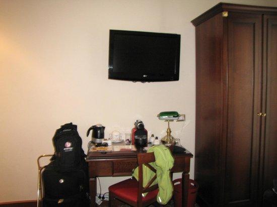 بو سيت - أنتيكا ريزيدنزا: Habitación frente a la cama