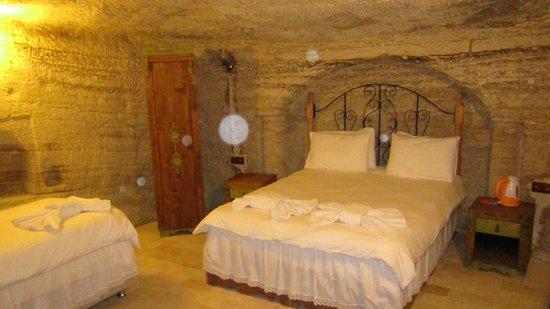 Hills Cave Hotel: .