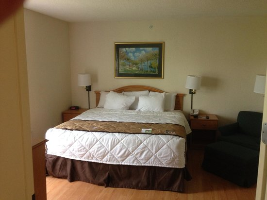 Extended Stay America - Atlanta - Marietta - Powers Ferry Rd.: Bedroom