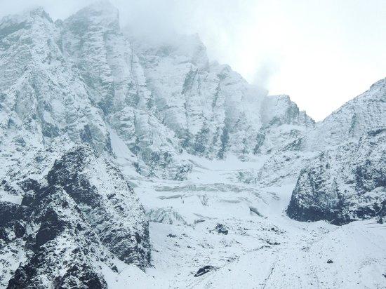 Sonamarg : View of the glacier