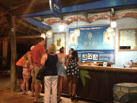 Villa del Oso: Nightly ice cream outing. Best in town!!