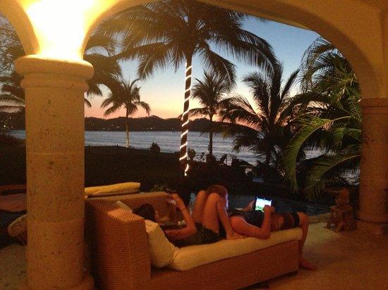 Villa del Oso: Amazing sunsets!!