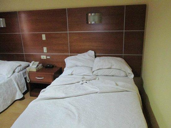 La Cresta Inn : Vista de una de las camas