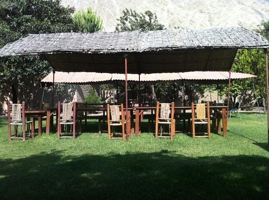 Refugio de Santiago : mesinhas