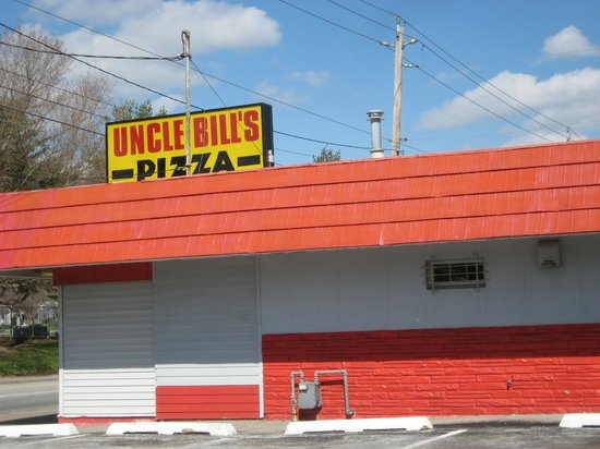 Uncle bill 39 s pizza davenport 1407 e locust st for 5 star salon davenport ia