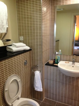 Mercure Sheffield Parkway : Beautiful bathroom