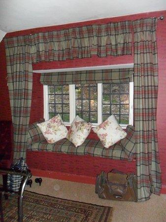 Hambro Arms: Kings room