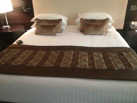 Radisson Blu Hotel, Doha: Cama Enorme