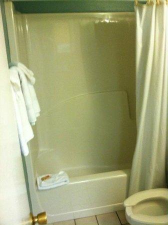 Sugar Sands Inn and Suites : Bathroom