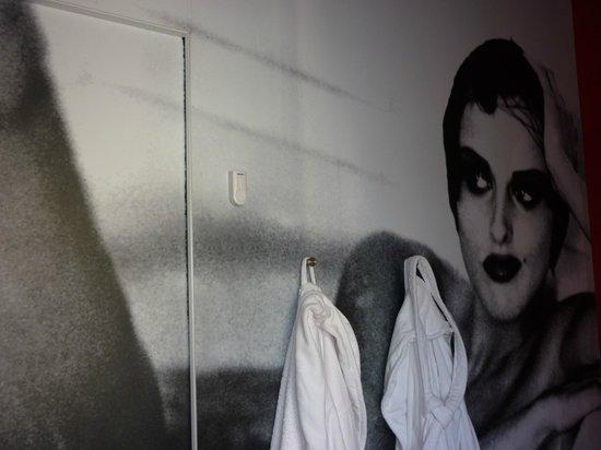 Room29: Wallmount on the bathroom