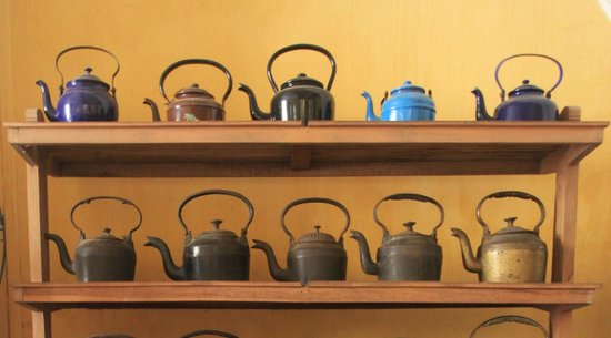 Teapot Cafe: Tea pots !