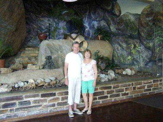 Gooderson Natal Spa Hot Springs & Leisure Resort: nice back drop for resturant