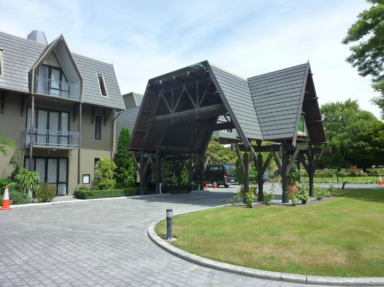 Chateau on the Park - Christchurch, a DoubleTree by Hilton: Entrata principale