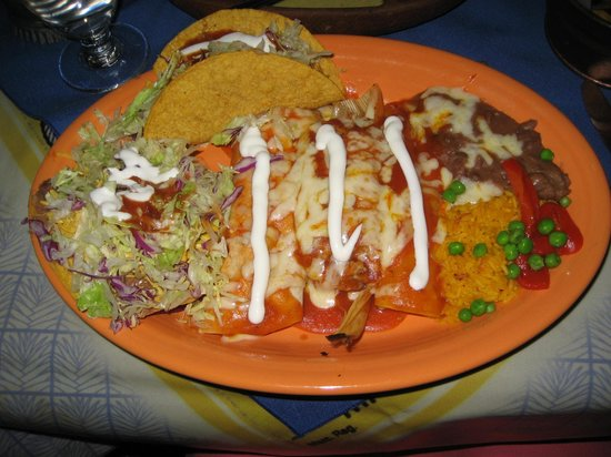 Delectable combination plate chicken beef fish for Fish tacos near me