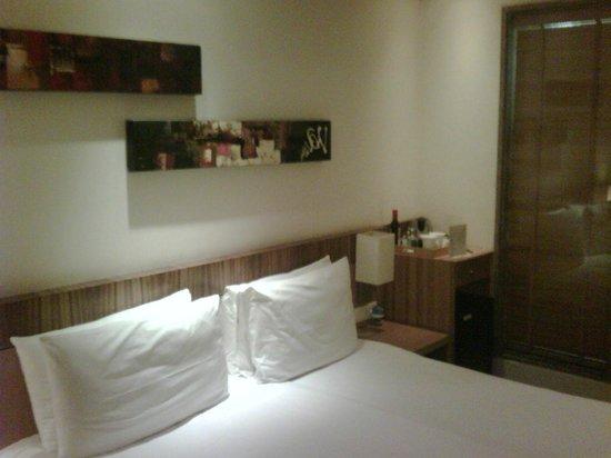 Shervani Nehru Place: Room 105