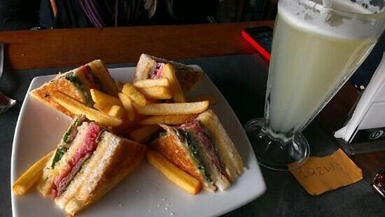 La Baguette: lomo sandwich