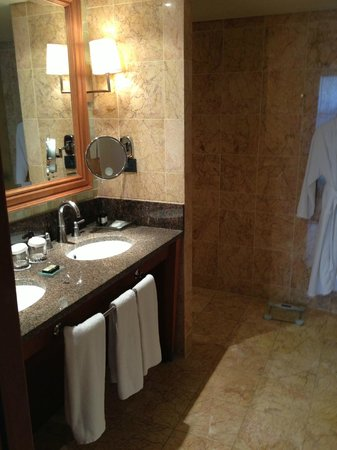 Arion, a Luxury Collection Resort & Spa: Sink area of huge bathroom