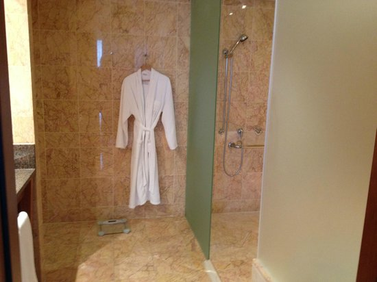 Arion, a Luxury Collection Resort & Spa: Another view of huge bathroom