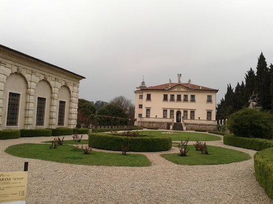 Villa Valmarana ai Nani: giardino