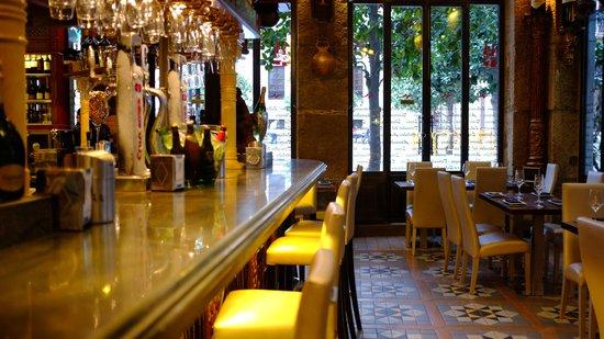 Puerta del Carmen: The bar