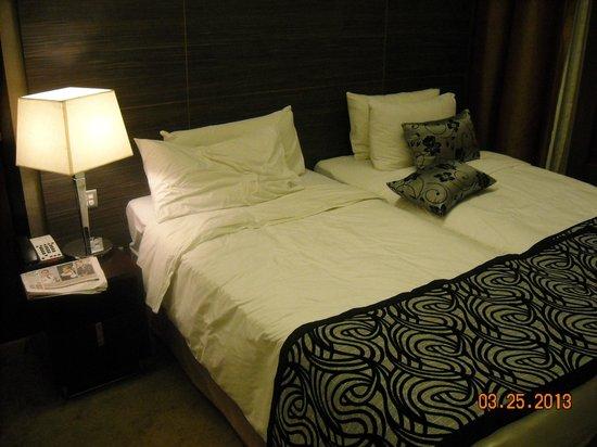 โรงแรมเพนนินซูล่า เอ็กเซลซิเออร์: в номере