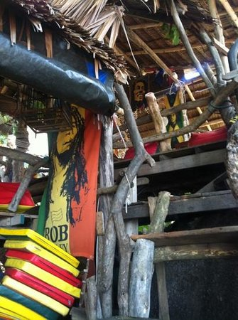 Samui Rock Bar : multi level tree house