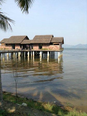 Vedana Lagoon Resort & Spa: Overwater family villa with plunge pool