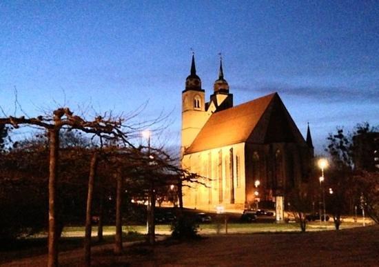 Johanniskirche Magdeburg: Blick von Elbpromenade