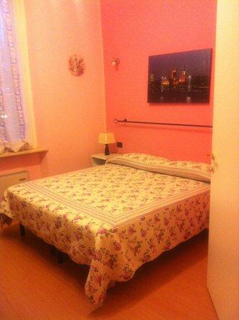 Bed and Parma : camera da letto