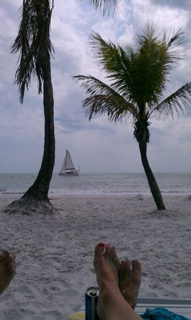Tiki On The Beach: Now this is vacation!
