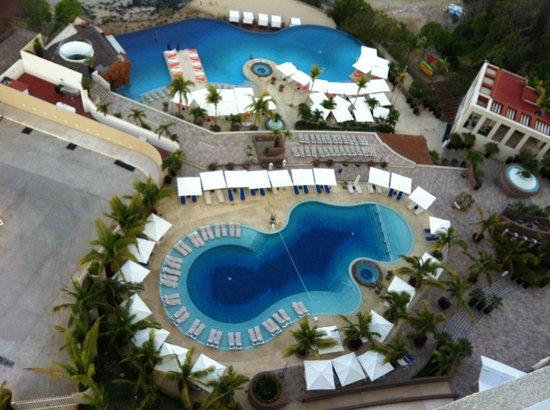 Azul Ixtapa Beach Resort & Convention Center: Grandiosas albercas