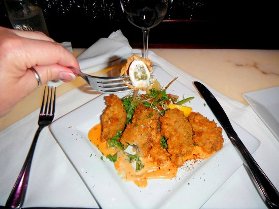 Kitchen On George: 1st Mate had the very best HUGE Alabama Fried Oysters breaded Cajun style in citrus aioli..