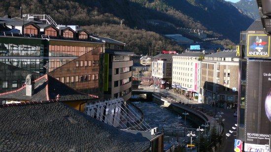 NH Hesperia Andorra la Vella: Blick vom Balkon